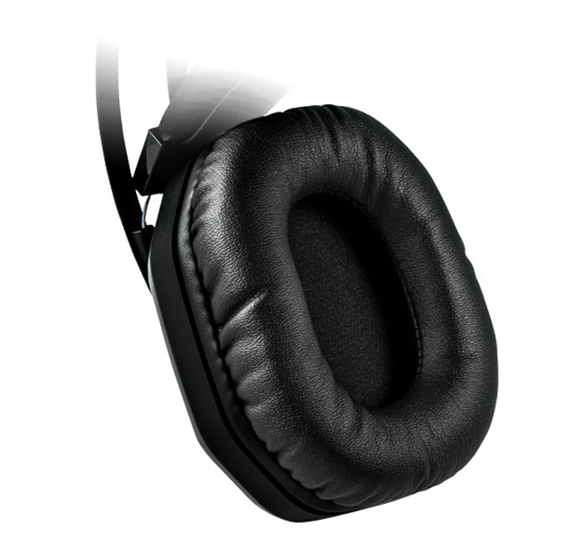 Closed-back Design With Leather Earcups